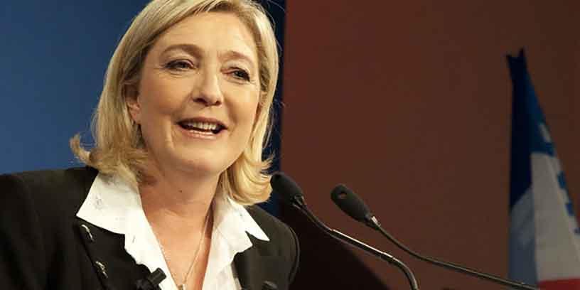 Marine Le Pen ne veut plus de voile ni de kippa dans l'espace public